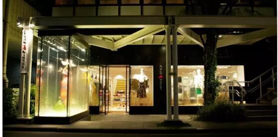遇见钢琴曲铺子-衣间东京特辑 遇见东京买手店 下  店铺经营兼顾设计与美感的时装,