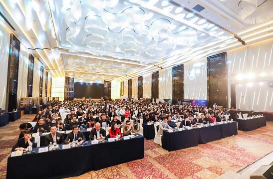 中国商业地产企划节 中国商业地产企划节是由中国美陈网、中国美陈群、商美学院联合发起的,一场集专家分享、商业论坛、颁奖盛典、美陈展览、供需对接五维一体的商业地产年度盛会。致力于中国商业地产的进步与提升,解决中国商业地产的痛点与痒点,真正服务于广大业内同行。 活动亮点 一、2019第二届中国美陈展 中国美陈展是商业地产领域专业度极强的行业大展,第二届中国美陈展以美陈造物为概念,将聚集全国2000+家购物中心方,通过500+家优秀服务商、1000+套全新美陈设计方案现场呈现,打造一场商业美陈领域规模空前